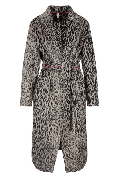 Coat made of leopard wool