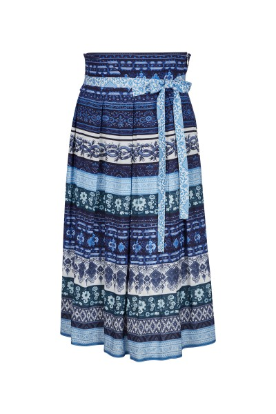 Feminine A-line skirt with border print