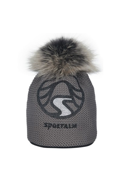 Cap with real fur bobble