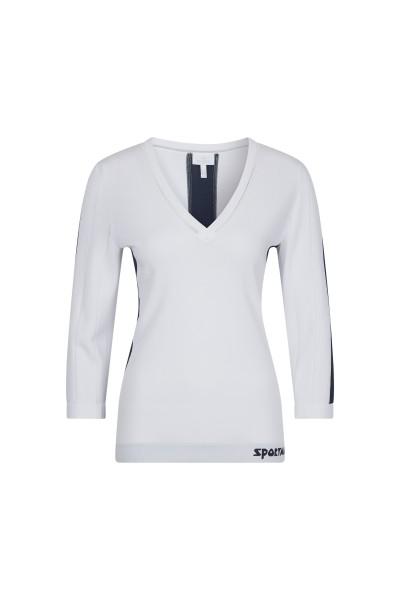 Elegant jumper with ajour detail