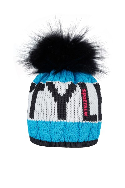 Sporty yarn hat with real fur bobble