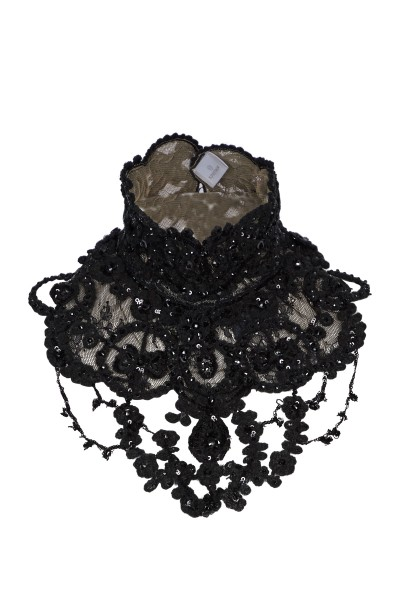 Necklace in lace tulle and wool