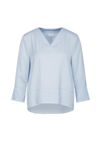 Elegant blouse with V-neck