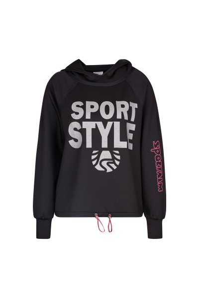 Sweater with striking lettering