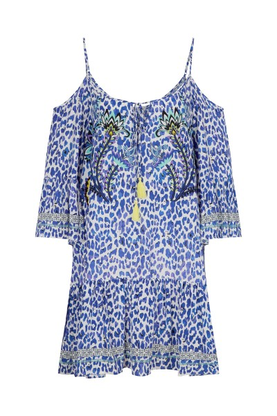 Summer tunic made of flowing material