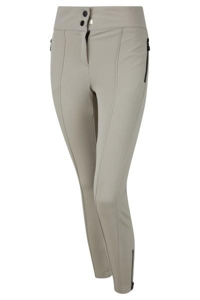 Narrow ski pants made of comfortable softshell fabric