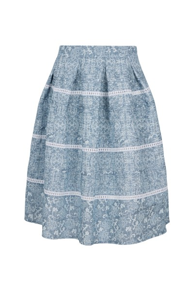 Traditional linen skirt in jeans look