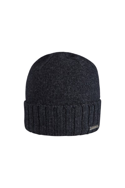 100% Cashmere beanie with metal label
