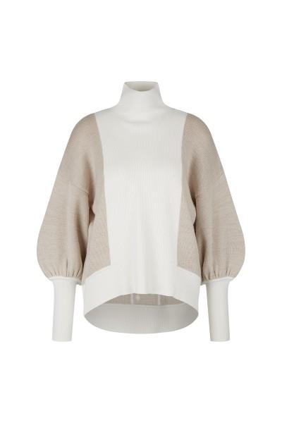 Weicher Pullover aus Materialmix mit Stehkragen