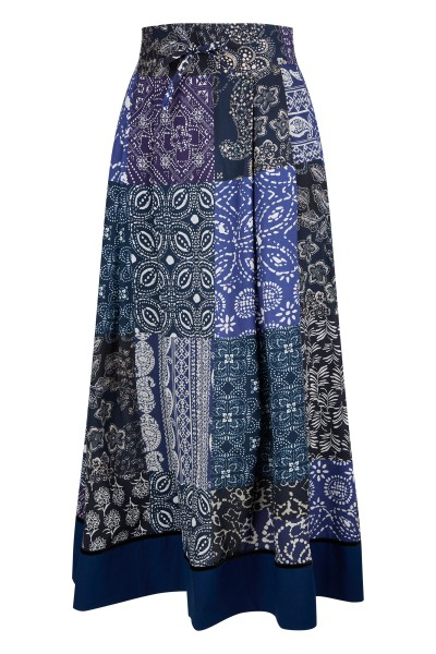 Ankle length viscose skirt with all-over bandana print