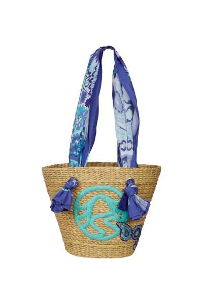 Basket bag with cloth hooks