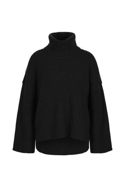 Pearl turtleneck sweater with overcut sleeves